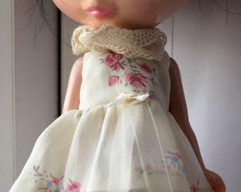 Gorgeous rose print dress and cream lace scarf for Blythe doll