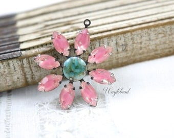 Pink & Turquoise Daisy Flower Pendant with Vintage Stones in Brass Setting 30mm