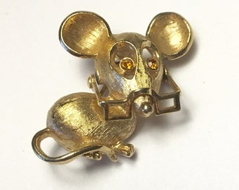 Avon Mouse Pin Topaz Rhinestone Eyes Moveable Glasses Spectacular Mouse 1972 Vintage