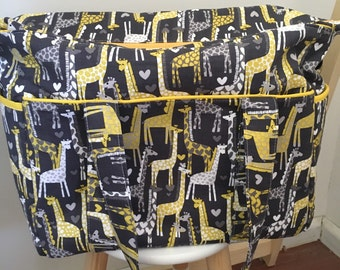 Giraffe Love Nappy Bag with Zipper and Long Strap