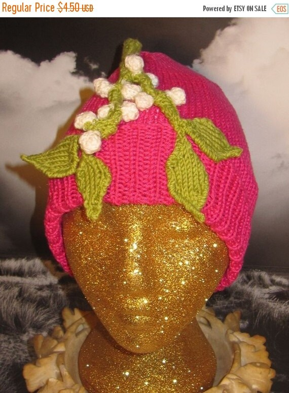 HALF PRICE SALE Digital pdf file knitting pattern - madmonkeyknits Mistletoe Beanie Hat pdf knitting pattern