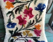 Vintage SHILLCRAFT Completed Latch Hook Rug Florals Tulips Pastels ALL WOOL