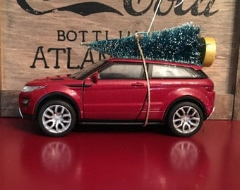 Range Rover Evoque Carrying Christmas Tree Ornament