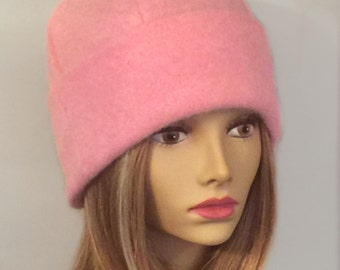 Lou, 100% pure cashmere hat, cloche in color Pink