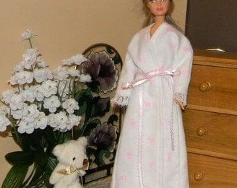 BNGRB-07) Barbie doll clothes 1 flannel nighty and 1 flannel bathrobe