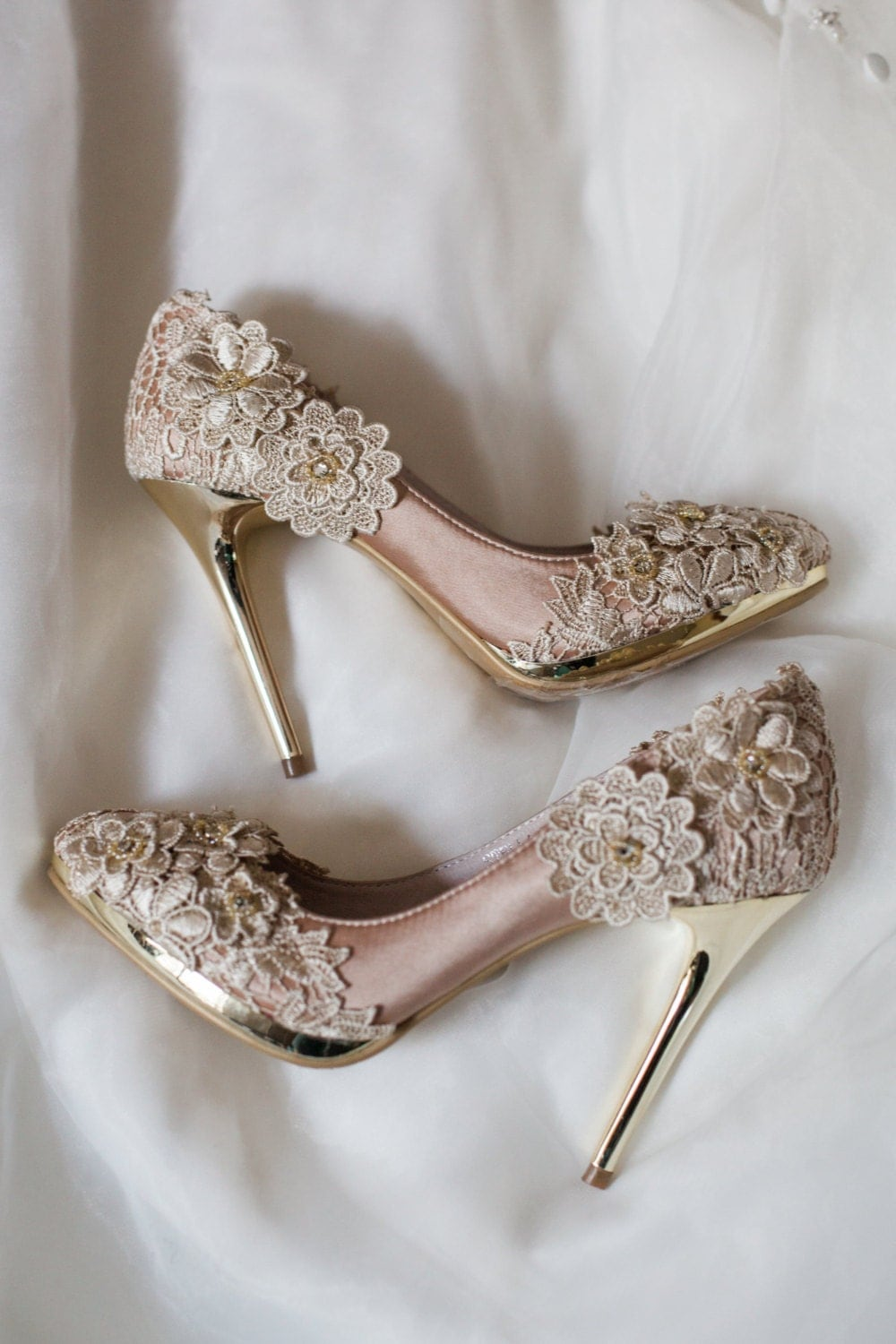 SALE Vintage Flower Lace Wedding Shoes With Champagne Gold