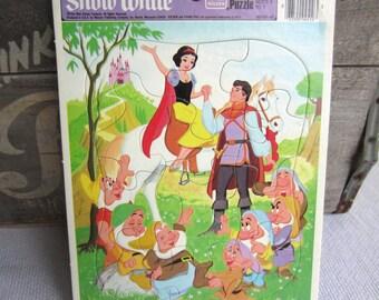 Vintage Walt Disney Snow White Tray Frame Puzzle