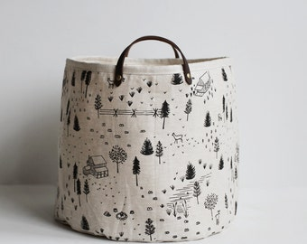 Medium Bucket - Homestead - Black on Linen