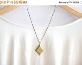 4TH of JULY SALE Vintage Locket Necklace // Golden Brass Locket // Bridemaid Gifts // Bridesmaid Locket Necklaces