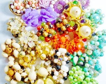 Vintage Cluster Estate LOT of 20 Pair Earrings Japan Germany Hong Kong  Crystal Rhinestones Lucite old plastic Brass gold metals  Stunning