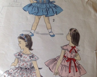 Advance 8155 child's dress • size 4
