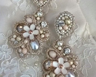 Vintage handmade earrings-clip on earrings-ivory-wedding earrings - flower earrings
