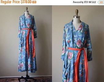 ON SALE 40s Dress - Vintage 1940s Dressing Gown - Blue Coral Pink Rose Print Cold Rayon Bombshell Wrap Robe L - Delfinia Dressing Gown