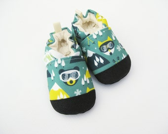 Eco-Canvas Vegan Ski Bear / non-slip soft sole baby shoes / made to order / Babies Toddlers Preschool