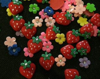 20 pcs Mix strawberry and flower cabochon flatback for crafts findings