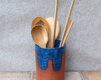 Cutlery and utensil storage pot hand thrown terracotta vase pottery ceramic