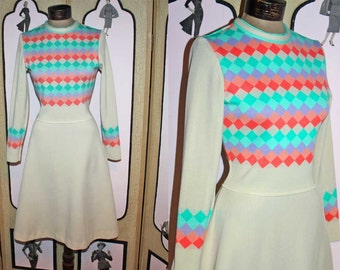 Vintage 70's BLEEKER STREET Sweater Dress. Small.