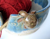 Bernard, the turtle yarn bowl / holder in speckled white and blue, IN STOCK