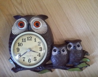 Vtg Burwood Plastic New Haven Owl Family Kitchen Battery Wall Clock
