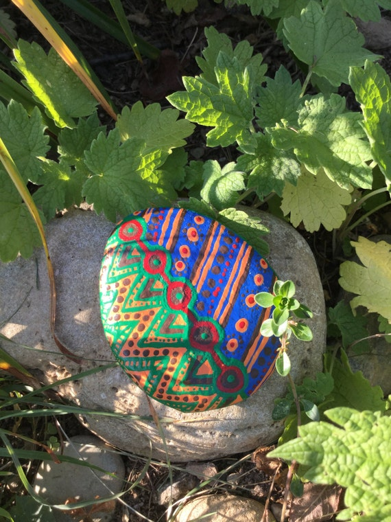 Items similar to hand painted garden stone medium on etsy - Hand painted garden stones ...