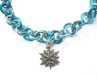 Blue snowflake bracelet, Winter jewelry, Silver and turquoise chainmaille bracelet, Snow jewelry