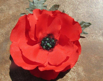 Priority USA shipping 1 to 4 days, Medium/Large Red Poppy With Green Leaves Pin (For Dress), Brooch or Hair Clip
