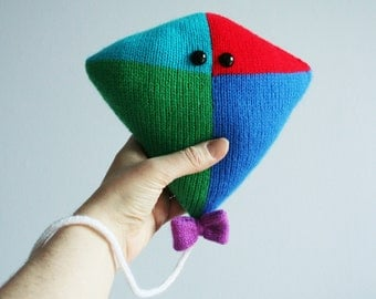 Knit your own big friendly kite (pdf knitting pattern)