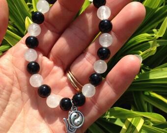 Yin Yang and Hand Charm Bracelet / Clear Quartz / Black Onyx