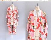 45% OFF SALE.... vintage 1940s kimono • cotton kimono • floral motive  • dressing kimono