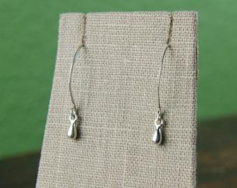 Tiny drop earrings in sterling silver, teardrop earrings, silver teardrop, dainty, everyday casual, long earrings