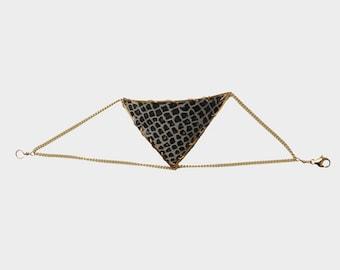 Triangle Leather Bracelet in Coffee | R15-B20 CFE