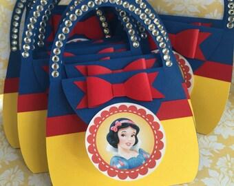 Snow White Invitations - Purse invitations with rhinestone - 25 birthday invitations - snow white - princess invitations - new invitations