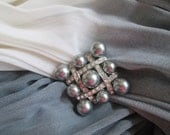 Elegant Diva Gray Pearl and Rhinestone Brooch - Vintage - Gray Pearls - Gift - Night on the Town - Holiday Gift - Classy