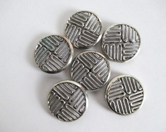 6 Buttons Silvertone Metal Large