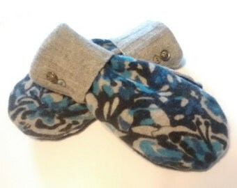 Etsy mittens, blue floral mittens, lambswool mittens, denim colors, recycled sweaters, women's mittens, fleece lined mittens