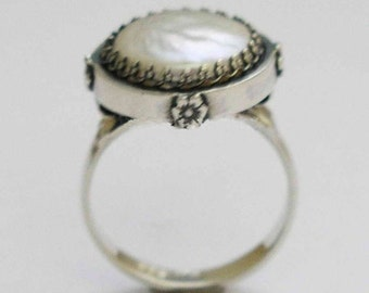Sterling Silver Ring, coin pearl ring, single pearl ring, engagement ring, wedding ring, bridal jewelry, Victorian ring - Snow White. R1247