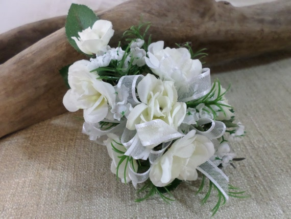 how to make a wrist corsage with silk flowers