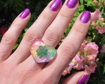 Rainbow Heart Green Glittery Shamrock Resin Ring, Lucky Shamrock Tie-Dye Rainbow Resin Heart Ring, Good Luck Charm Small Resin Heart Ring