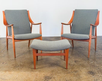 Peter Hvidt FD148 Easy Chairs & Ottoman Set