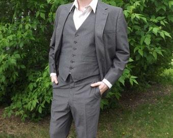 Mens Suit Pinstripe Brown 3 pc Jacket Vest 40 Chest 36 Waist Vintage 70s