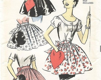 ON SALE Vintage 50s Apron Pattern - Advance 8463 - Misses' Hostess Aprons with Playing Card Novelty Pockets -  One Size Pattern