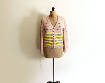 vintage sweater cardigan 1960s taupe beige yellow striped leather buttons size medium m