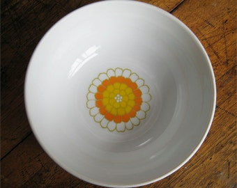 "Georges Briard Florette Pattern 8"" Flower Center Vegetable Bowl 1960s Disc"