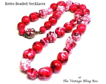 Vintage Cranberry Color Beaded Necklace in Single Strand Plastic Art Beads with Decorative Gold Clasp - Retro 40s Costume Jewelry