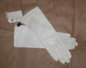 Vintage White Kid Leather Bridal Gloves