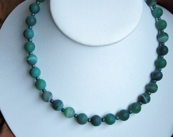 Forest green natural necklace