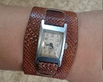 25 OFF SALE Ladies mechanical wrist watch Zvezda from Russia Soviet Union womens watch