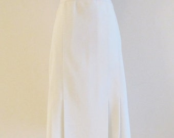 50% OFF SALE Vintage 1970's White Polyester Pleated Skirt / Mod Retro White High Waist Skirt / Size Large