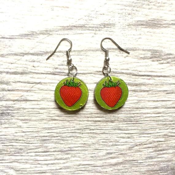 Small resin earrings handmade, round, strawberry, red, green, stainless hook, allergy free, light, lesperlesrares