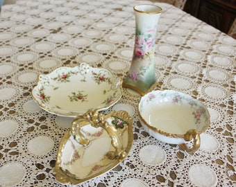 A Garden of Roses in Antique Porcelain 4 Decorative Accessories